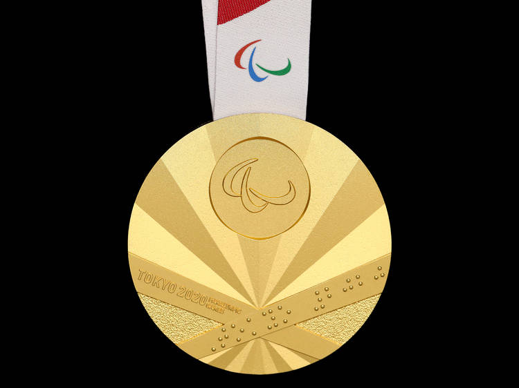 パラリンピック初の金メダルは卓球