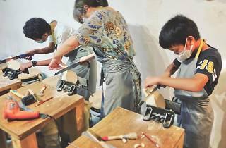 wood carver workshop