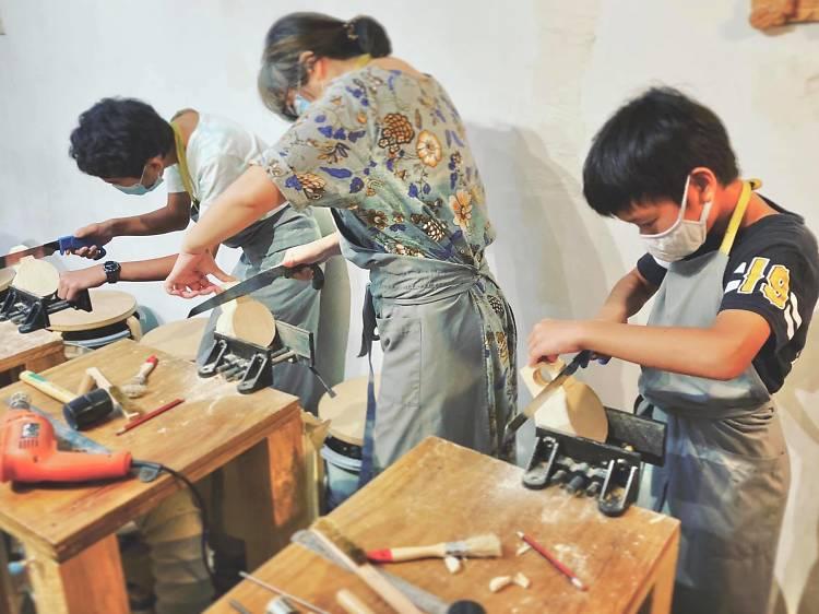 木工雕民:小型木工工作坊