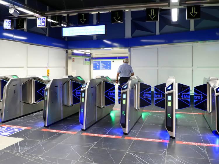 11 estaciones de Metro estrenan nuevos (y modernos) tornos