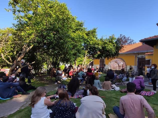 Música ao ar livre no jardim da Casa São Roque
