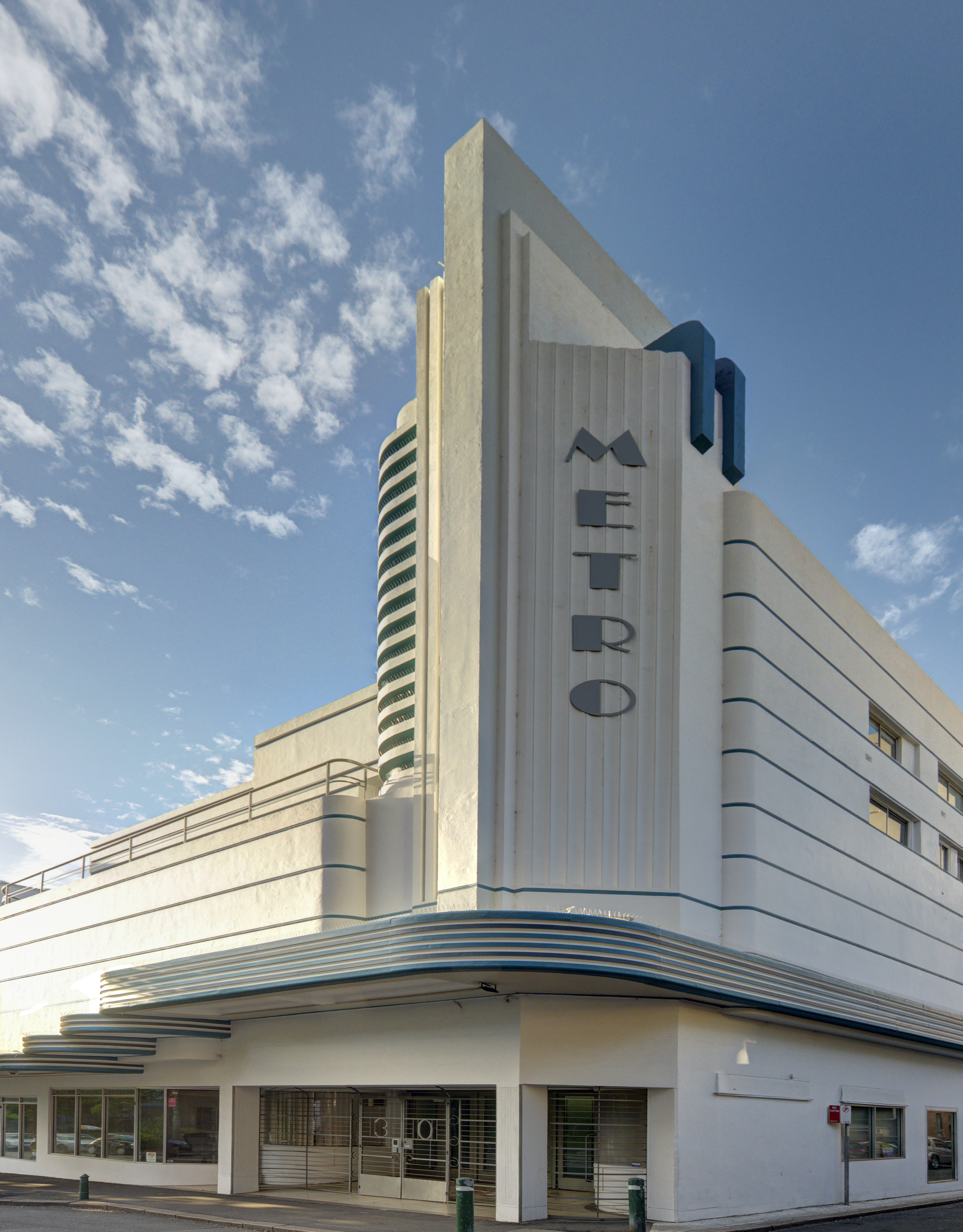 The stunning curved facade of  The Metro/Minerva Theatre in Potts Point