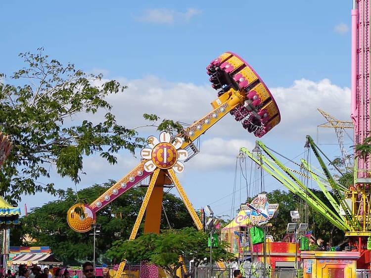 Feria de Espectaculares García en el Parque Bicentenario