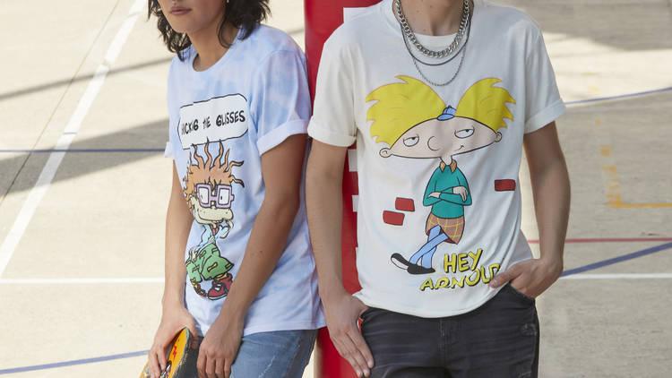 Playeras de Carlitos de Rugrats y Arnold de Hey Harnold!