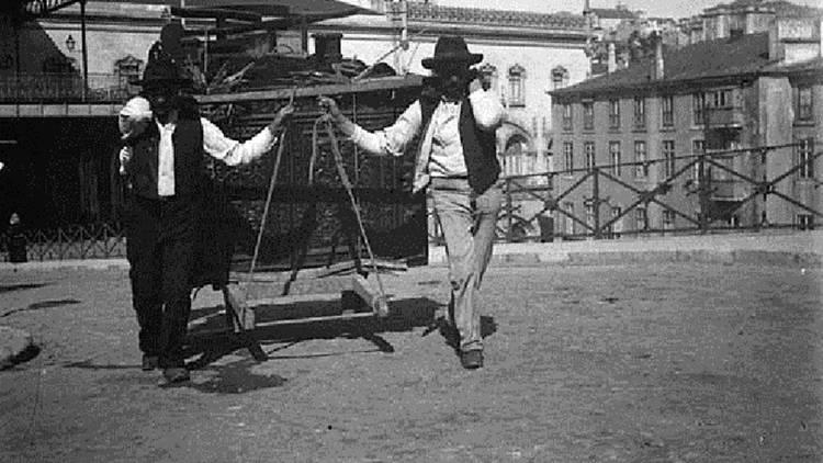 Pátio das Antigas, Lisboa Antiga, Os Galegos dos Fretes