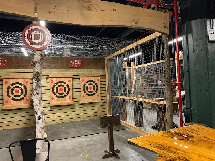 Stumpy's Hatchet House Axe-throwing