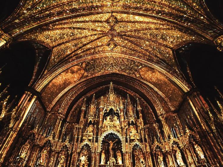 The fabulous light show of the Notre-Dame Basilica