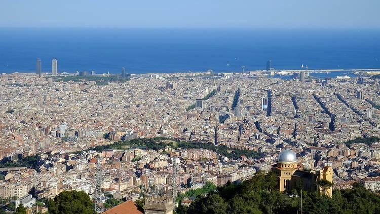 Vista panoràmiques de Barcelona des del Tibidabo