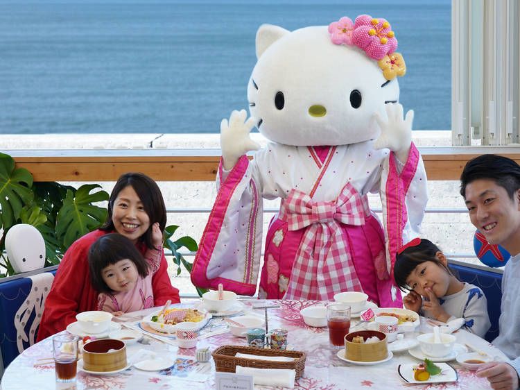 Meet Hello Kitty in person