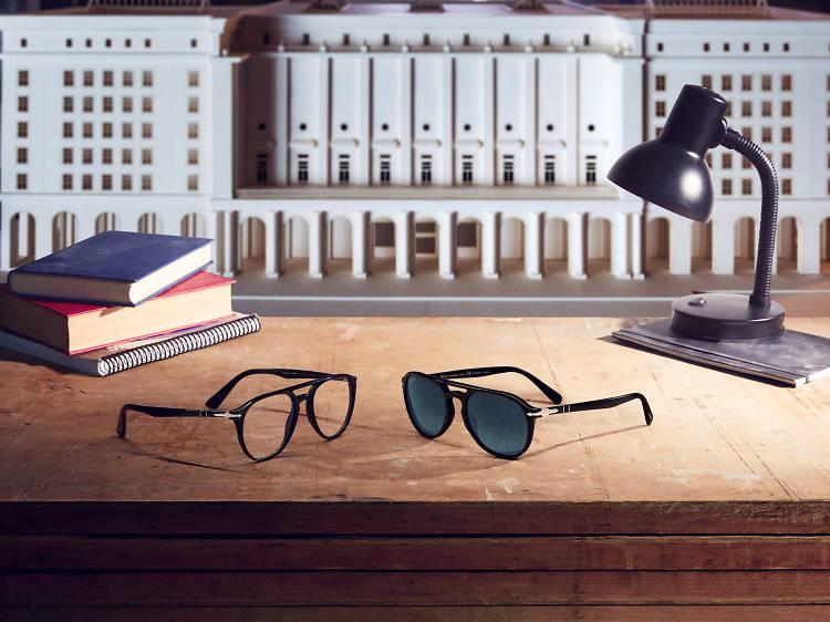 """El Profesor"" e os seus óculos"