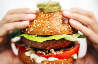 Um dos hambúrgueres vegan do AlterEgo