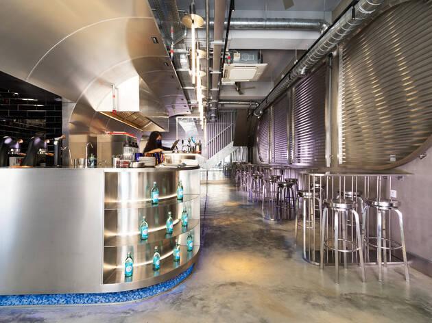 深水埗未來感酒吧餐廳 Ppalli Ppalli