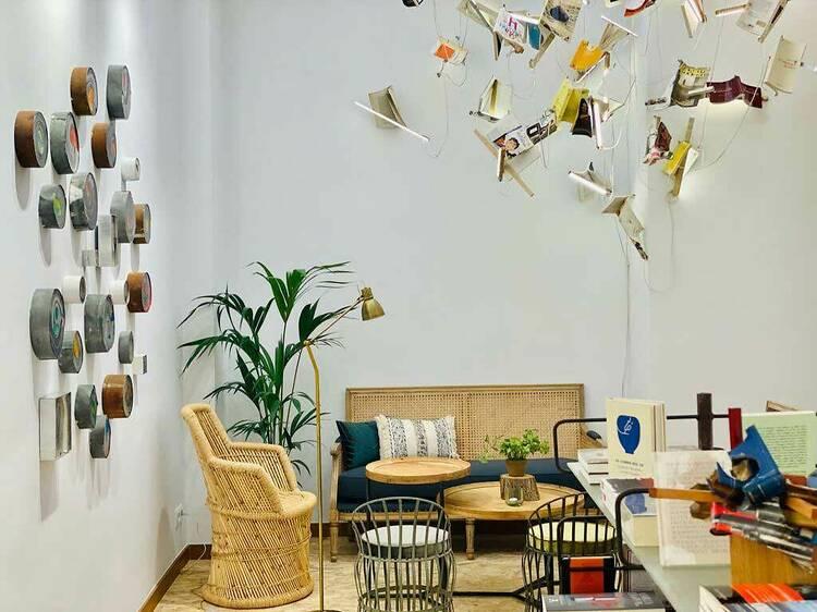 11 librerías donde quedarte a leer y a tomar un café
