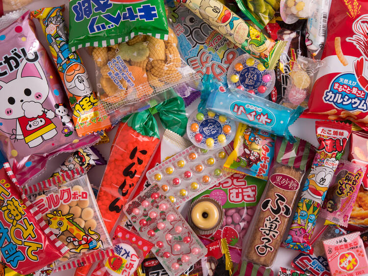 7 Japanese subscription boxes that deliver overseas: snacks, makeup and stationery