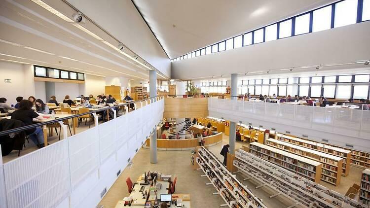 Biblioteca pública La Latina