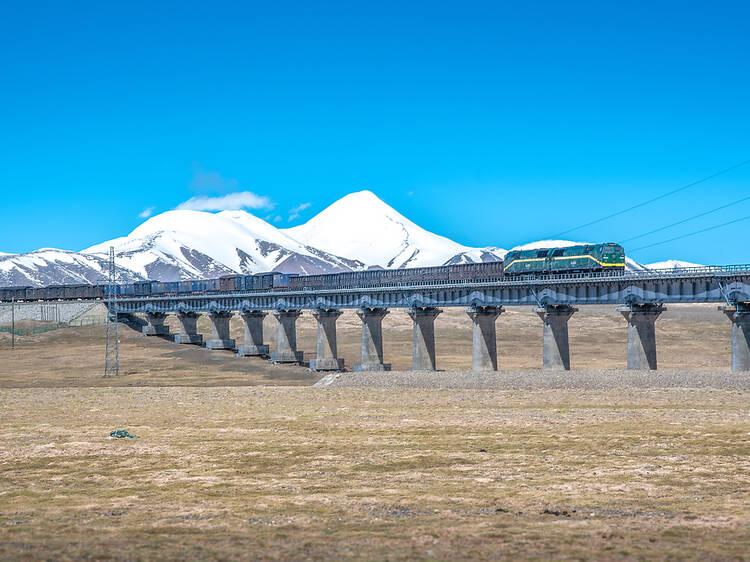 Qinghai-Tibet Railway from Xining to Lhasa, Tibet Autonomous Region
