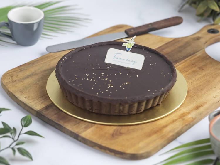 Fann Wong launches an online bakery, Fanntasy