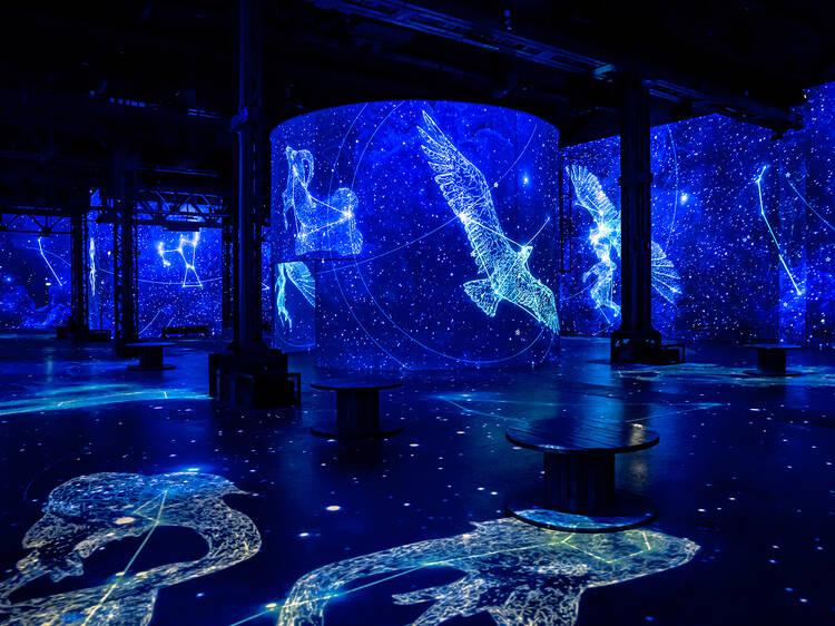 L'Atelier des Lumières vous emmène dans l'espace avec Destination Cosmos