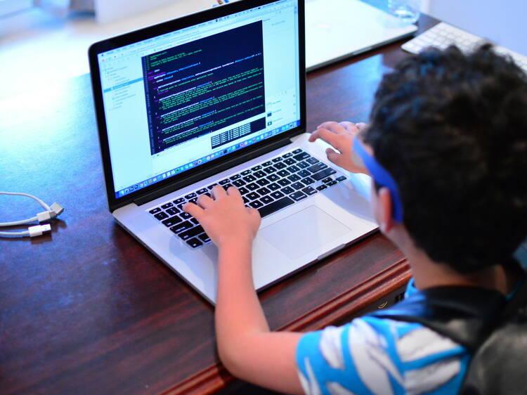 Crack the Code, la escuela online de tecnología y videojuegos para niños