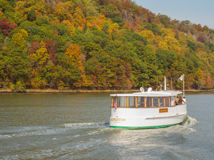 10 amazing fall foliage cruises you can take up the Hudson River this fall