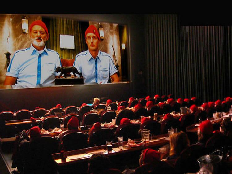 テキサス発、食事がおいしい映画館がマンハッタンにオープン