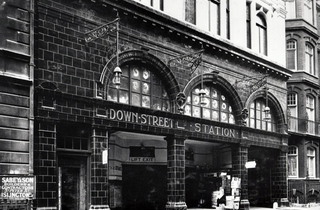 Down Street station (© London Transport Museum)