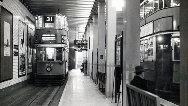 Kingsway tram tunnel (© London Transport Museum)