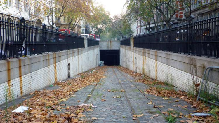 Kingsway tram tunnel today (© Abigail Lelliott)