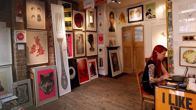 ART_NellyDuff_press2011.jpg