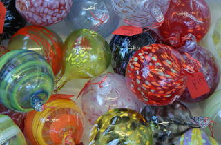 Women in the Know: Glassblowing Demonstration at the Michael Ruh Studio