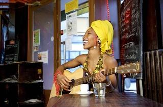 Fatoumata Diawara + Stranded Horse
