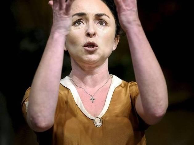 Theatre_Filumena_press2012.jpg