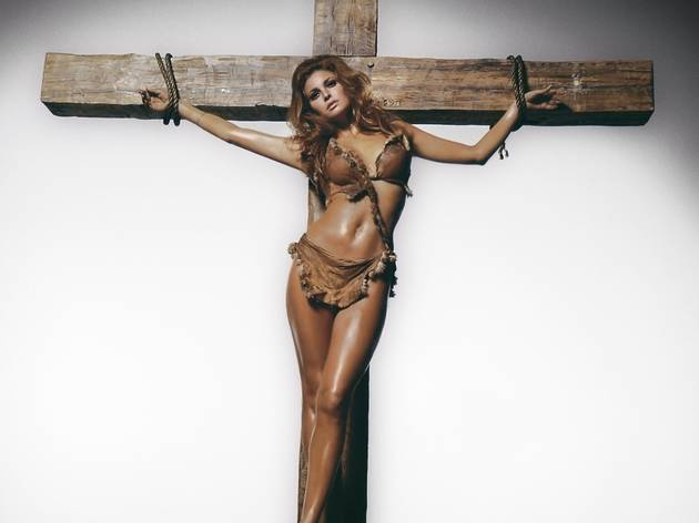 RAQUEL WELCH IN A PUBLICITY SHOT FOR 'ONE MILLION YEARS BC', 1968.jpg