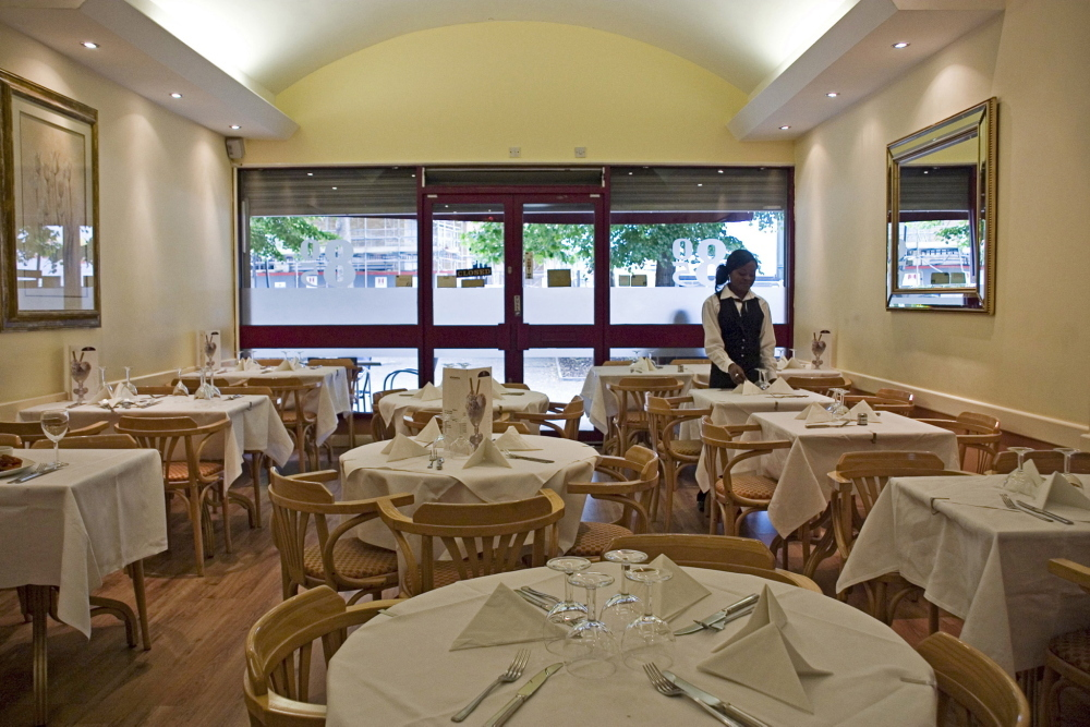 805 Bar Restaurant