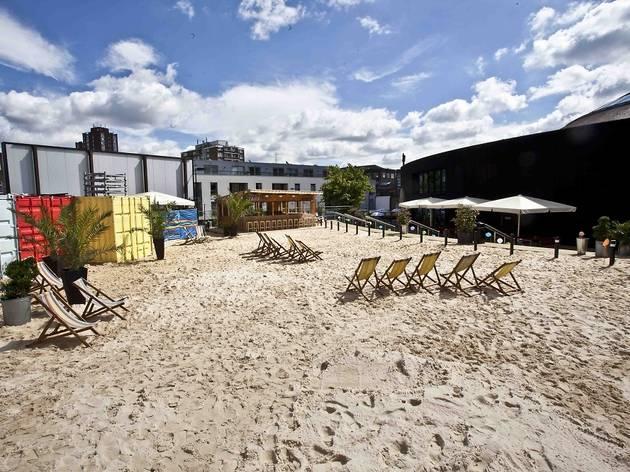 (Camden Beach, Roundhouse. Images © Stuart Leech)