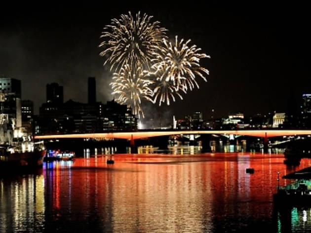 Thames Festival 2012: Fireworks Finale