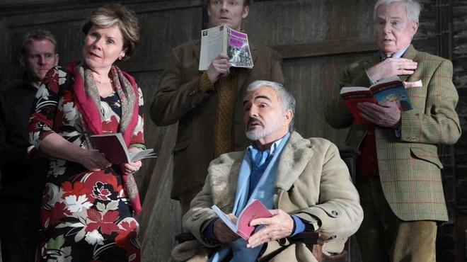Burt Reynolds, Imelda Staunton and the cast of A Bunch Of Amateurs
