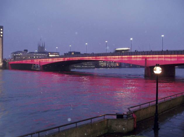 New_london_bridge.jpg