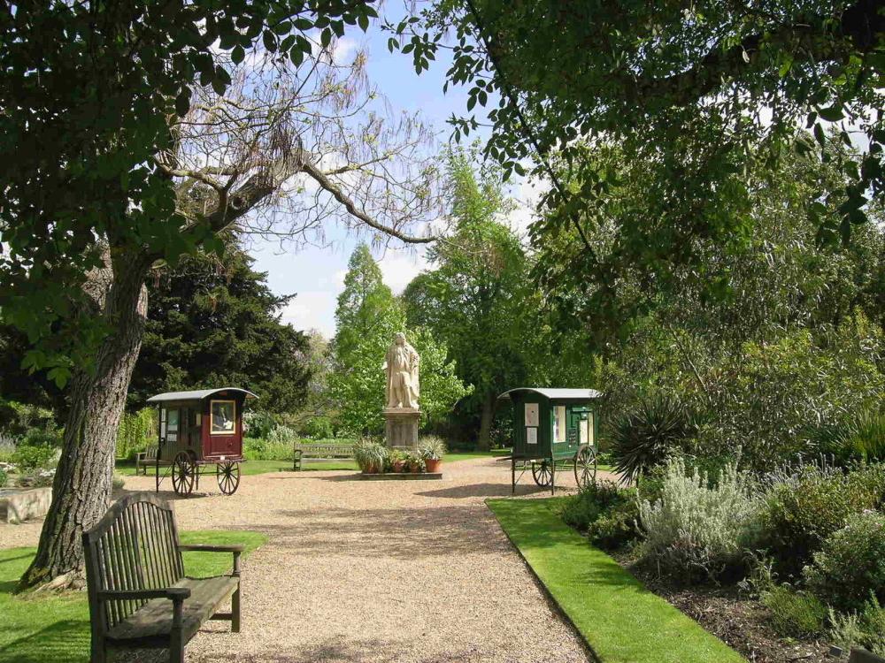 Chelsea Physic Garden_CREDIT_Charlie Hopkinson (2).JPG