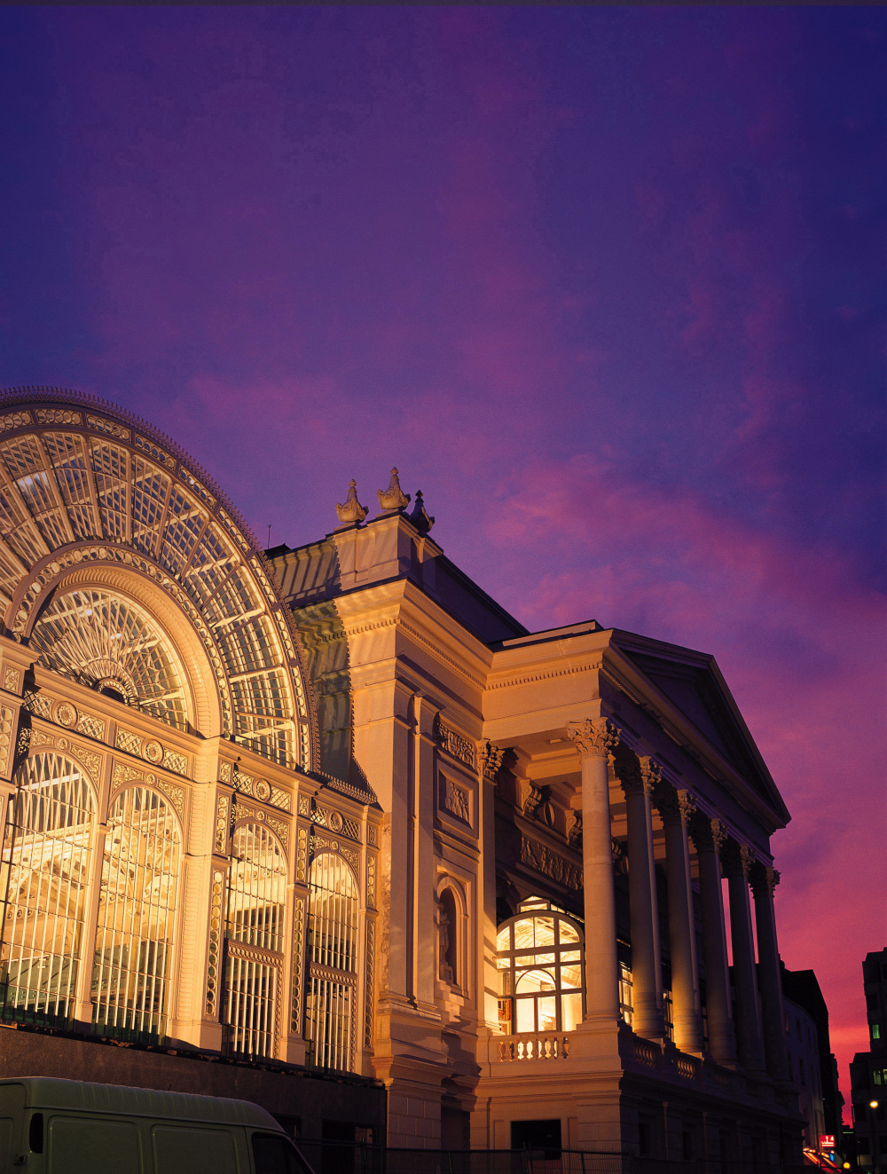 See an opera at the Royal Opera House