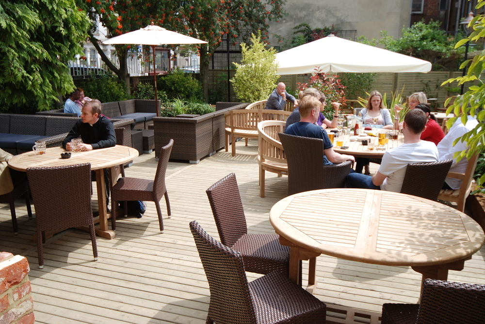 London 39 s best beer gardens bars time out london for Outdoor furniture london
