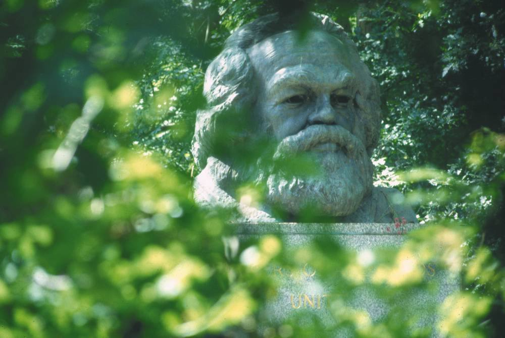 Visit Karl Marx's resting place