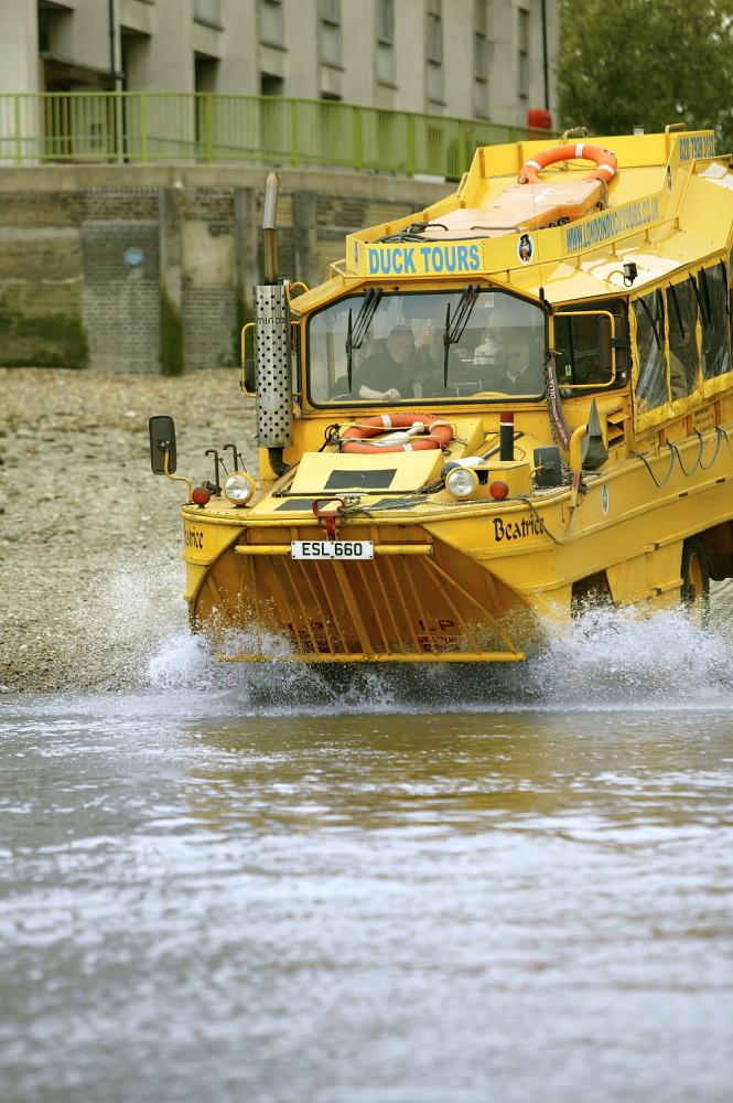 Boat trips in London