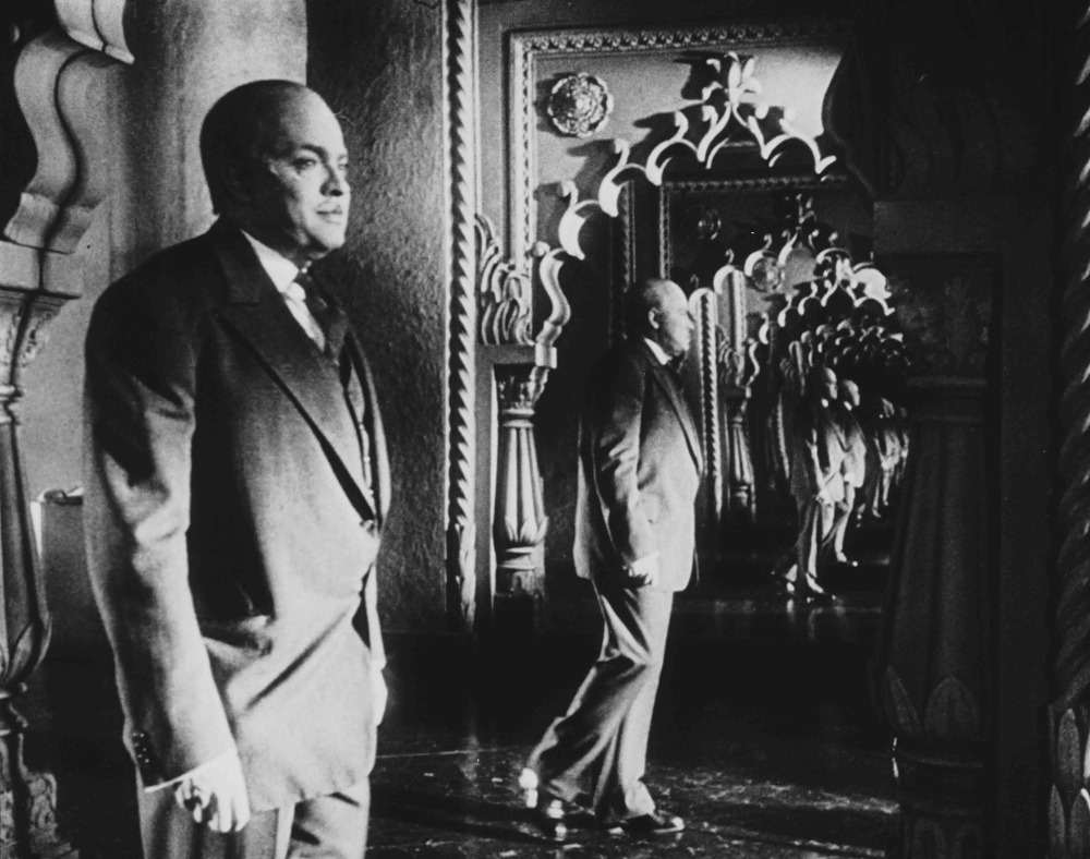 """citizen kane film techniques The sound of 'citizen kane' """" you never should've married a newspaperman, they're worse than sailors before making his first film, orson welles was already a name in theatre and radio, and was thus aware of the power of sound."""