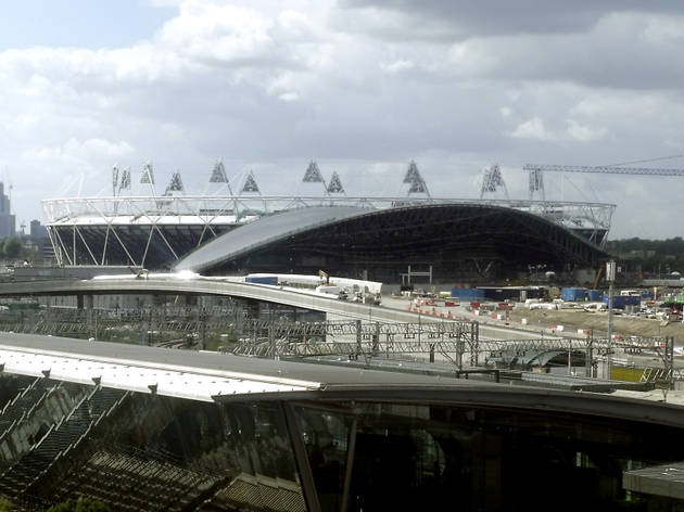 AT_ArchitectureWalks Olympic London_Press2010_CREDIT_Ike Ijeh.jpg