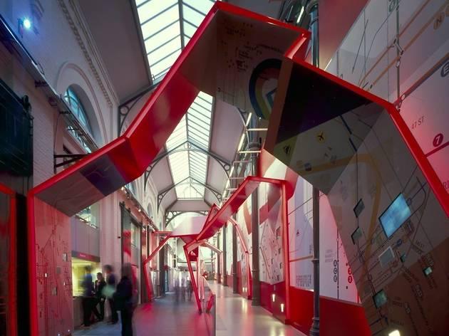 World Travel Gallery (c) Lo.jpg