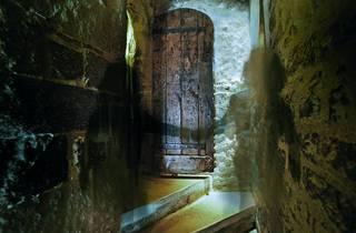 AT_toweroflondon_ghosttours_2010press.jpg