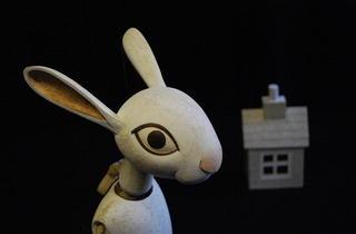(Alice in Wonderland © Little Angel Theatre)