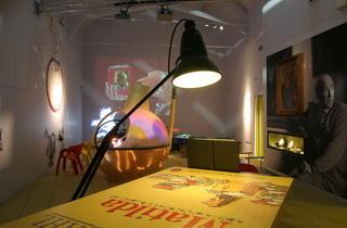 AT_RoaldDahlMuseum_press2011.JPG
