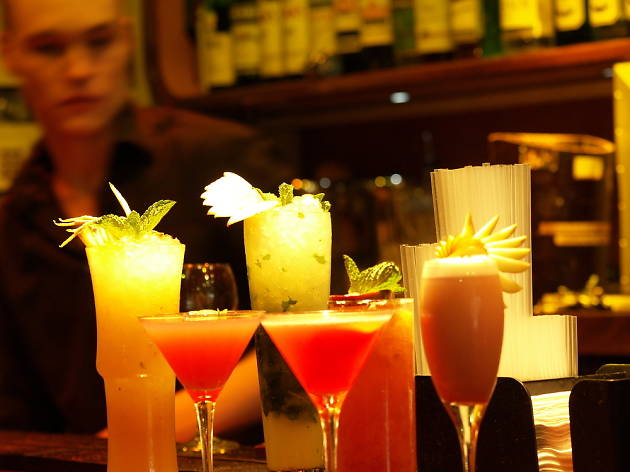 Cocktail bars